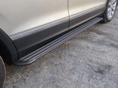 "Volkswagen Tiguan 2017- Пороги алюминиевые ""Slim Line Black"" 1820 мм"