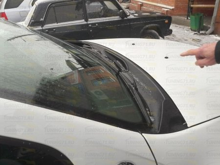Накладка в проем стеклоочистителей (жабо) Renault Duster 2010-2015, 2016