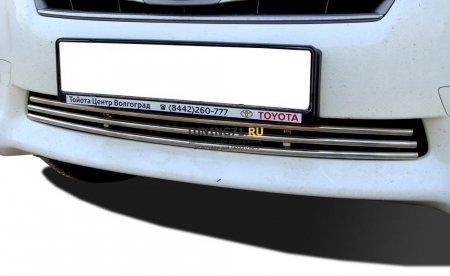Решетка передняя Toyota RAV4 2010 16
